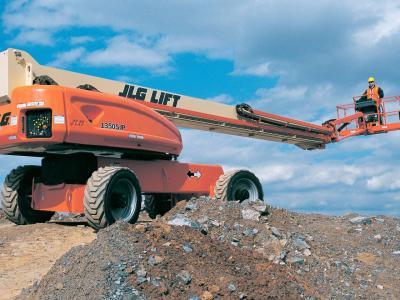 JLG 1350SJP a noleggio presso Giffi Noleggi srl