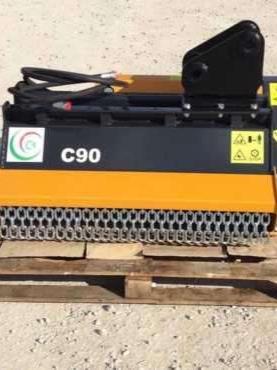 C4 Trinciatrice per escavatore / miniescavatore Foto 1