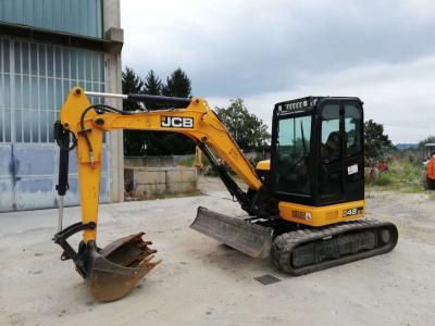 JCB 48Z a noleggio presso Arnus Srl