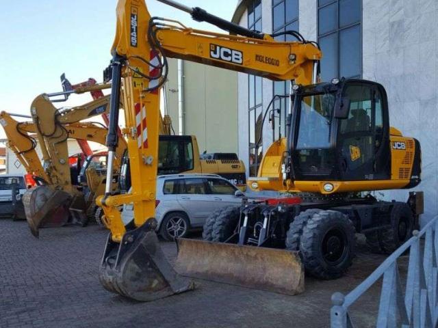 JCB JS145W Foto 1
