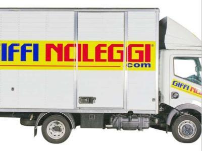 Nissan NT400 a noleggio presso Giffi Noleggi srl