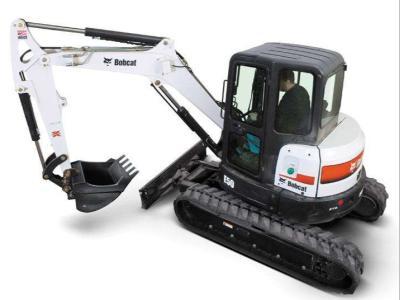 Bobcat E50 a noleggio presso Tractor Service Srl