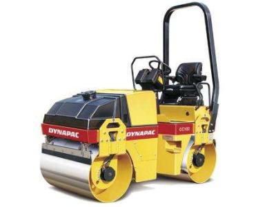 Dynapac CC 102 a noleggio presso Tractor Service Srl