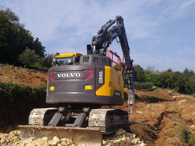 Volvo ECR145E Foto 1