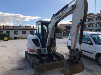 Bobcat 430 a noleggio presso Barone Commercio & Noleggio